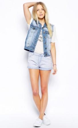 wear jean vest