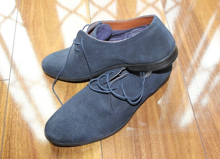 clean suede shoes